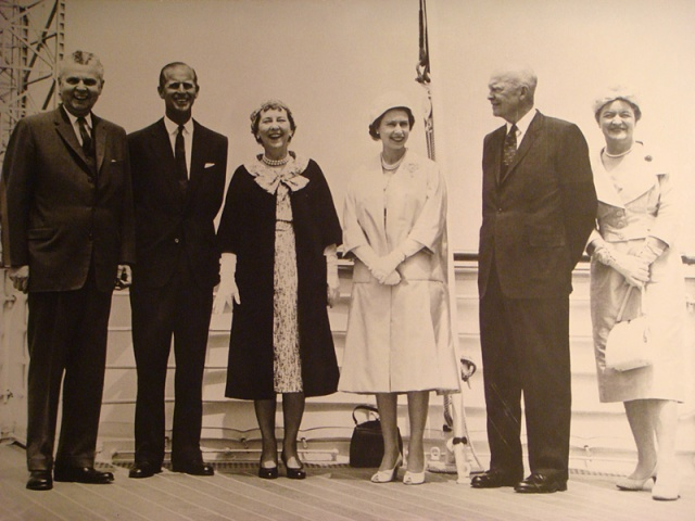 Heads of State and Government and their Spouses at the opening of the St. Lawrence Seaway